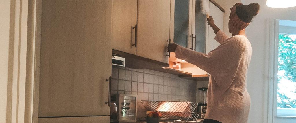 Küche sauber hygienisch Mama Familie Küchenputz Hausmittel Essig Zitronensäure