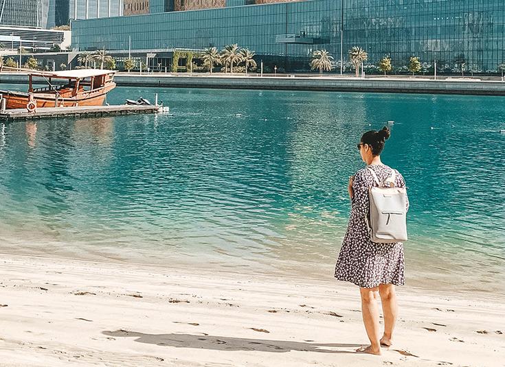 Fliegen mit Kleinkind, Urlaub mit Kleinkind, Reisen, Rucksack, entspanntes Reisen mit Kind, Mama, Abu Dhabi, Kapten & Son