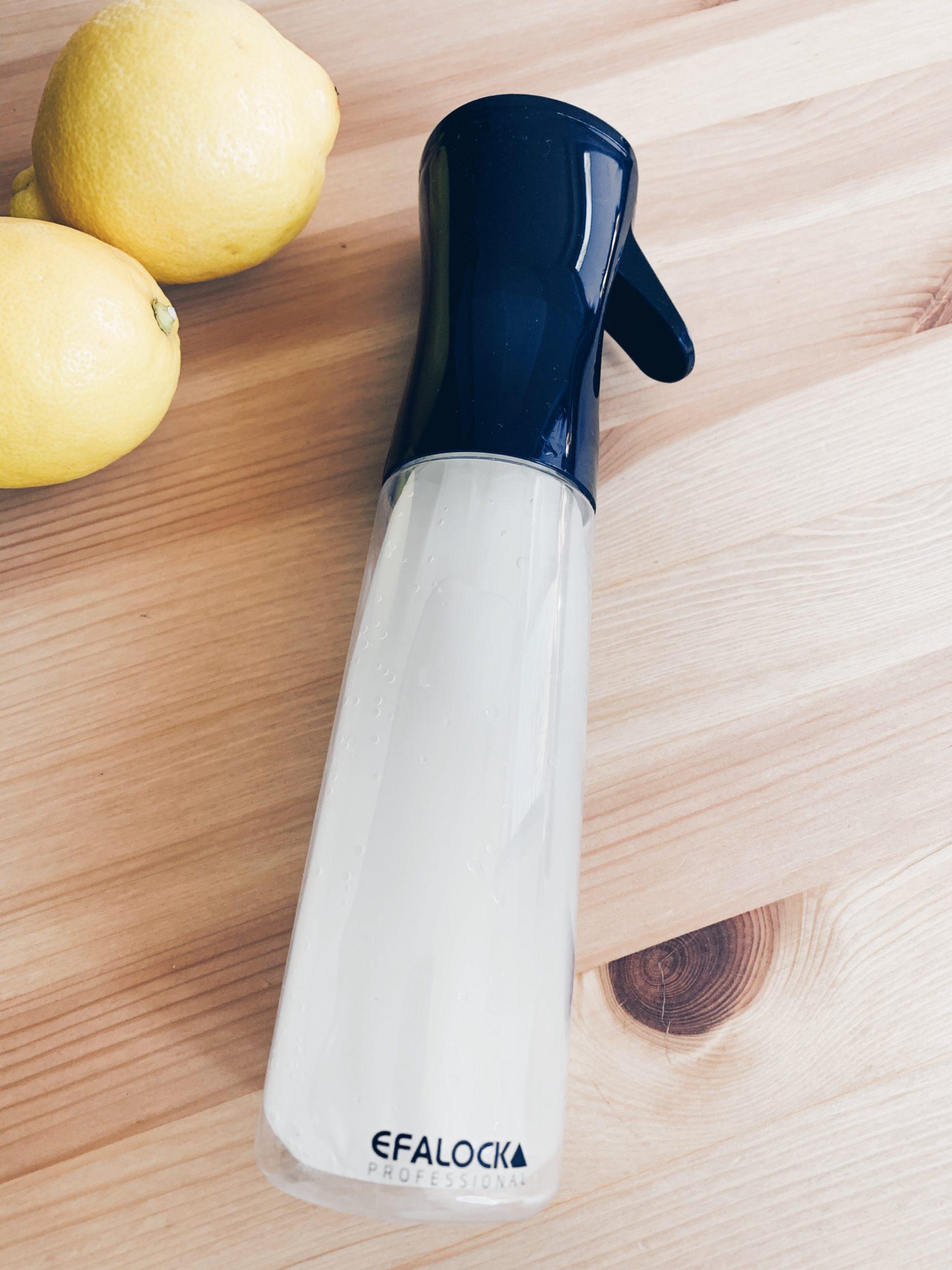 Sprühflasche, Sprühnebel, Pestizide von Obst entfernen, Obst richtig waschen, Zutaten, Obst- und Gemüsereiniger, natürlicher Obst- und Gemüsereiniger, DIY Obst- und Gemüsereiniger, Obst natürlich reinigen, Gemüse natürlich reinigen, Reinigen mit Essig und Zitrone, natürlich reinigen, chemiefrei