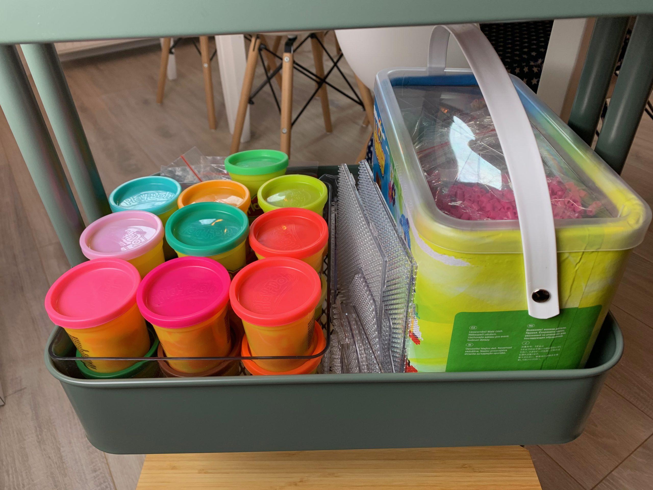 Bügelperlen sortieren, Knete organisieren, Bastelwagen, Bastelmaterial organisieren